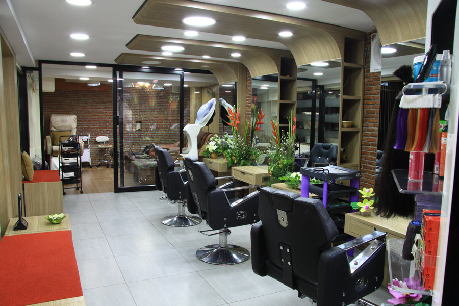 Hairstyling & Treatment Studio